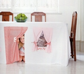 Cubby House Table 01
