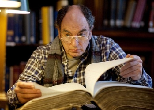 NEW TRICKS 'It Smells of Books' BBC One TX DATE: TBC Picture shows: ALUN ARMSTRONG as Brian Lane WARNING: Use of this copyright image is subject to the terms of use of BBC Pictures' BBC Digital Picture Service. In particular, this image may only be published in print for editorial use during the publicity period (the weeks immediately leading up to and including the transmission week of the relevant programme or event and three review weeks following) for the purpose of publicising the programme, person or service pictured and provided the BBC and the copyright holder in the caption are credited. Any use of this image on the internet and other online communication services will require a separate prior agreement with BBC Pictures. For any other purpose whatsoever, including advertising and commercial prior written approval from the copyright holder will be required.