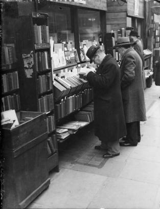 Men Reading Books 33