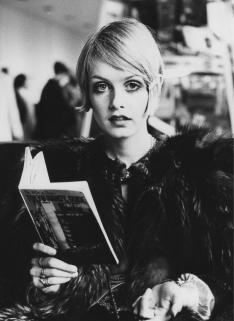 Reading Girl 51