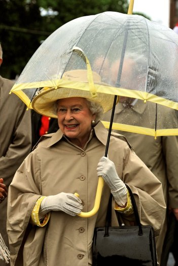Umbrella Queen Elizabeth II 003