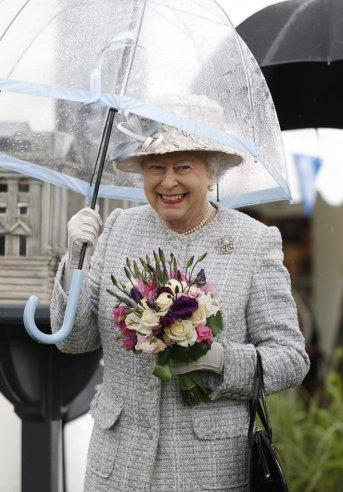 Umbrella Queen Elizabeth II 006
