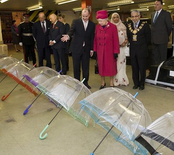 Umbrella Queen Elizabeth II 014