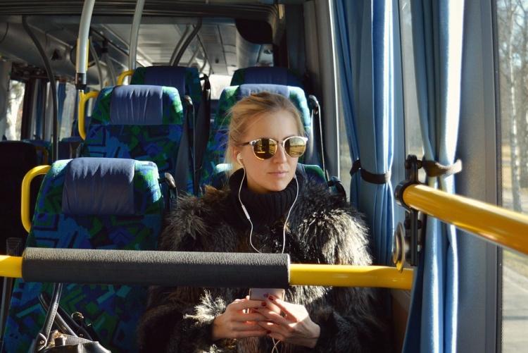 bus-2531578_1280-1